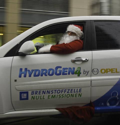 Papa Noel Opel hydrogen 4